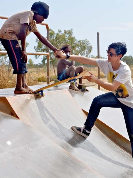 Как научиться кататься на скейте